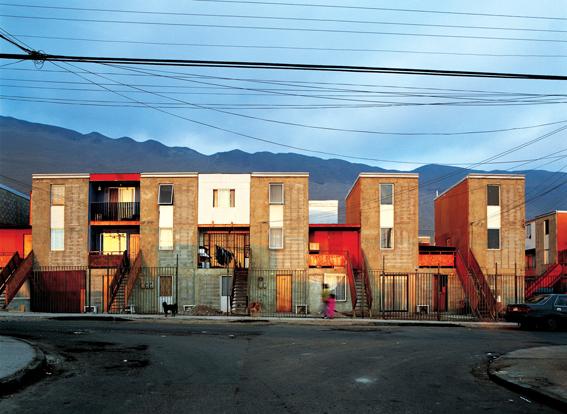 Khu nhà ở xã hội cho người thu nhập thấp Quinta Monroy (ChiLe) do KTS Alejandro Aravena thiết kế