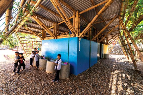 Công trình vườn vệ sinh cho học sinh trường Tama (Tuần Giáo, Điện Biên) do Công ty Kiến trúc H&P thực hiện