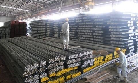 Việt Nam tiếp tục nhập siêu sắt thép