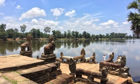 Chiêm ngưỡng nét kiến trúc độc đáo của hồ Srah Srang