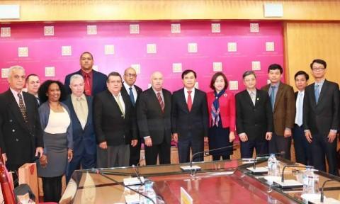 Thứ trưởng Lê Quang Hùng tiếp Thứ trưởng thứ nhất Bộ Xây dựng Cuba