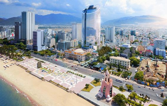 Công trình cao tầng mọc san sát nhau tại đường ven biển Trần Phú (Nha Trang, Khánh Hòa)