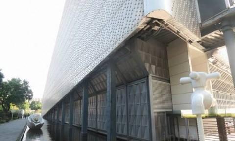 Tòa nhà làm từ chai nhựa có khả năng chống cháy và động đất