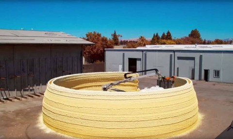 Xây nhà bằng máy in 3D sử dụng năng lượng mặt trời