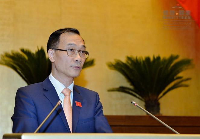 Ủy viên UBTVQH, Chủ nhiệm Ủy ban Kinh tế của Quốc hội Vũ Hồng Thanh trình bày Báo cáo giải trình tiếp thu, chỉnh lý dự án Luật Quy hoạch.Nguồn: quochoi.vn