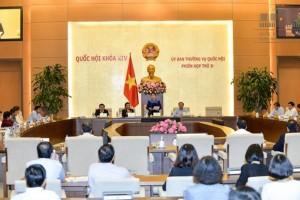 UBTVQH tiến hành chất vấn Bộ trưởng Bộ Xây dựng Phạm Hồng Hà