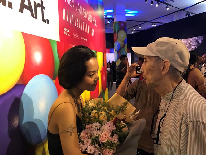 """""""Cây đại thụ của nghệ thuật điêu khắc, nghệ sĩ Lê Công Thành tham dự khai mạc triển lãm chúc mừng nghệ sĩ trẻ Lập Phương"""