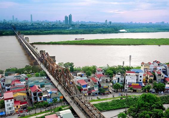 Không gian 2 bên bờ sông Hồng, TP Hà Nội