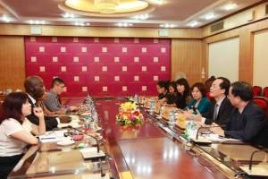 Bộ trưởng Phạm Hồng Hà tiếp Giám đốc Quốc gia World Bank tại Việt Nam