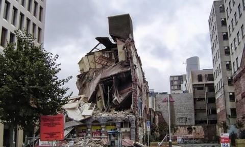 Cải thiện khả năng chống động đất cho các tòa nhà bằng các tinh thể đơn trong vật liệu