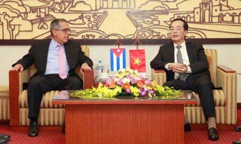 Bộ trưởng Phạm Hồng Hà tiếp Thứ trưởng Bộ Ngoại giao Cuba