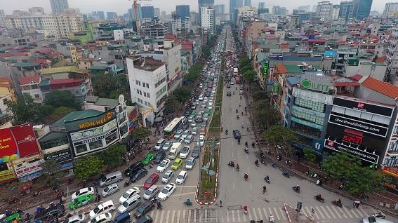 Tắc đường do hiện tượng giao thông con lắc phố Xuân Thủy (Cầu Giấy, Hà Nội)