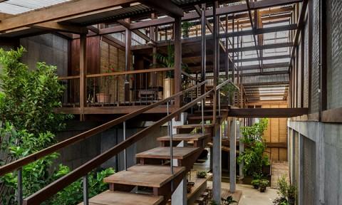 Báo nước ngoài xôn xao ngôi nhà bằng tôn và gỗ có 1-0-2 ở Châu Đốc (An Giang)