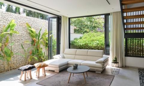 Eden villa: Đóng bên ngoài, mở bên trong