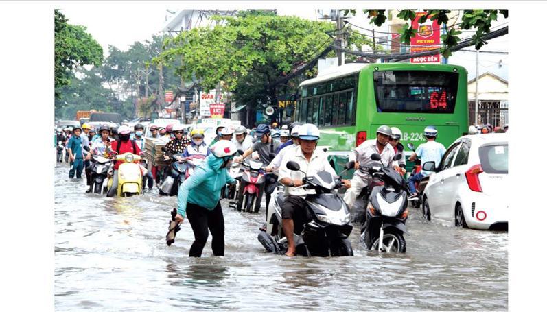 Ngập lụt do triều cường tại trung tâm TPHCM