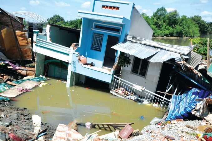 Sạt lở nhà ven sông trước tác động của BĐKH