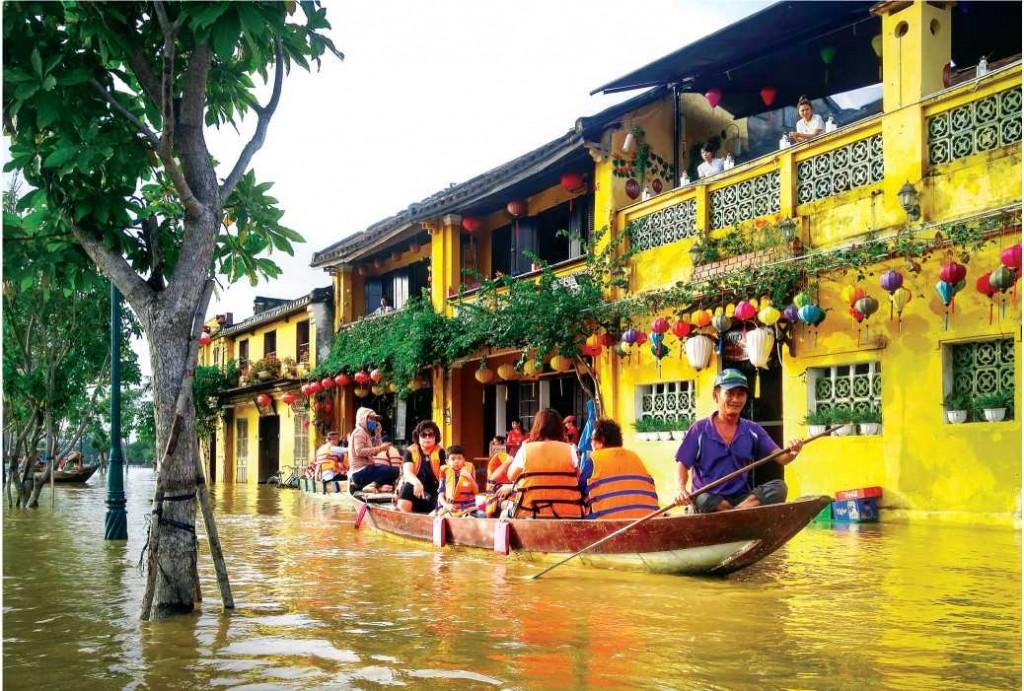 Ngập lụt do bão lũ của BĐKH tại Phố cổ Hội An (Quảng Nam)