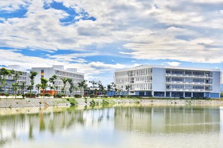 Không gian trường Đại học FPT, khu công nghệ cao Hòa Lạc thuộc Đô thị vệ tinh Hòa Lạc (Hà Nội)