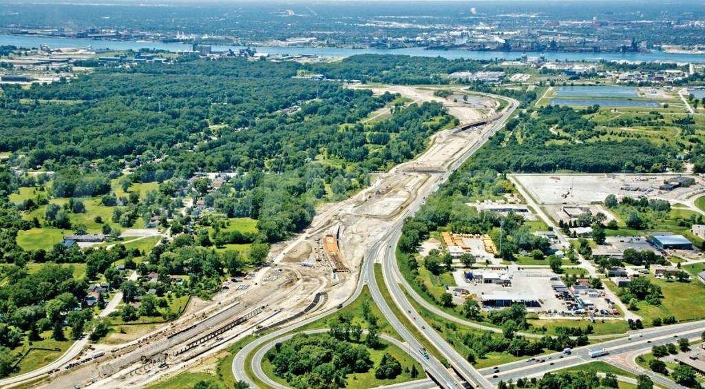 Xây mới hệ thống giao thông đường bộ và đường sắt kết nối đô thị trung tâm với thành phố vệ tinh tại TP Ottawa (Canada)