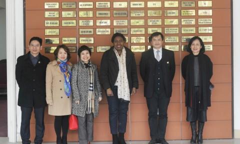 Hiệu trưởng Trường Đại học Kiến trúc Hà Nội tiếp và làm việc với đại diện Quỹ phát triển Quốc tế Calliste Đan Mạch
