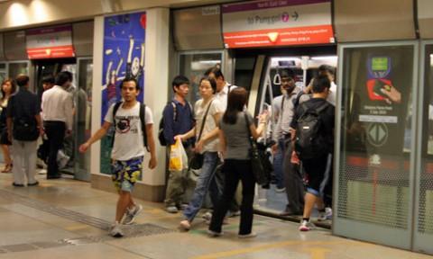 'Đặt ga tàu điện ngầm sát hồ Gươm là bất ổn'
