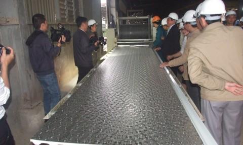 Quảng Trị: Nhà máy đầu tiên sản xuất thành công tôn PU Đại Long