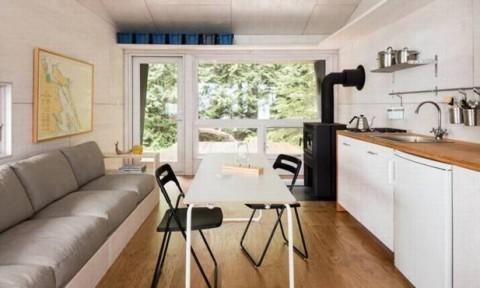 Cabin tiền chế sử dụng năng lượng mặt trời và kỹ thuật xây dựng truyền thống