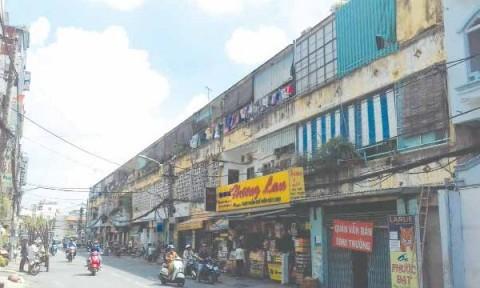 Chung cư cũ TPHCM: Bài toán cải tạo, xây mới