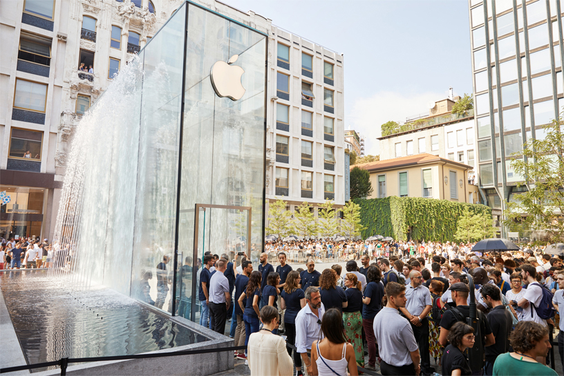 apple-milan-piazza-liberty_piazza-outdoor-que_07262018_big.jpg.large