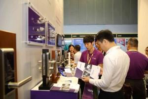 Khai mạc Triển lãm quốc tế về công nghệ kính và thiết bị cửa tại Việt Nam