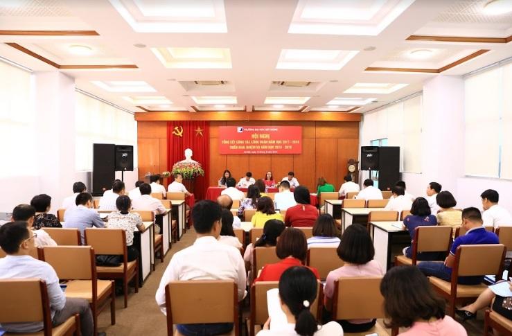 Toàn cảnh hội trường Hội nghị Tổng kết  hoạt Công đoàn năm học 2017-2018 và triển khai nhiệm vụ năm học 2018-2019