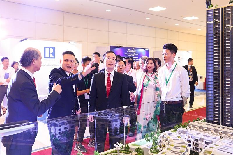 Bộ trưởng Bộ Xây dựng Phạm Hồng Hà tham dự Hội nghị quốc tế bất động sản IREC 2018