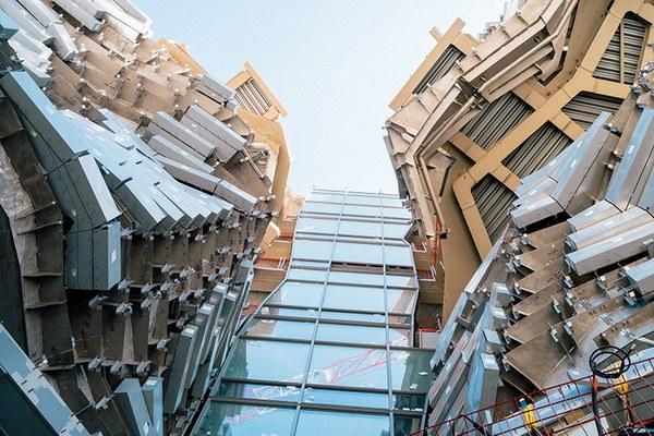 Tòa nhà sẽ chứa đựng nhiều chương trình khác nhau bao gồm các cơ sở nghiên cứu và studio nghệ thuật