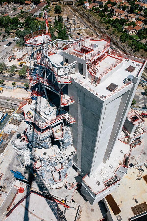Một cái nhìn trên không của công trình đang xây dựng