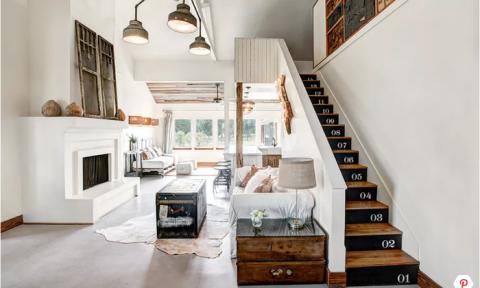 Làm đẹp cho cầu thang nhà bạn với những ý tưởng trang trí mới lạ