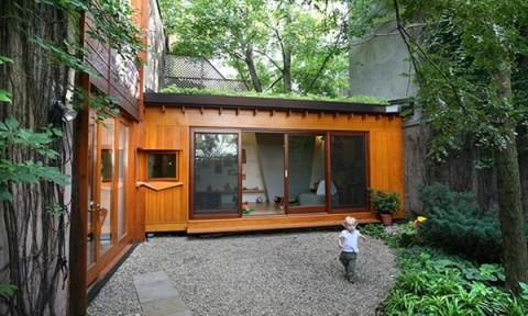 Nhà nhỏ nằm giữa rừng nhưng tiện nghi hiện đại