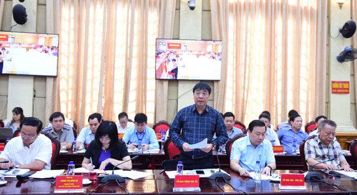 4 / 4  Giám đốc Sở Giao thông Vận tải Hà Nội Vũ Văn Viện phát biểu tại Hội nghị.