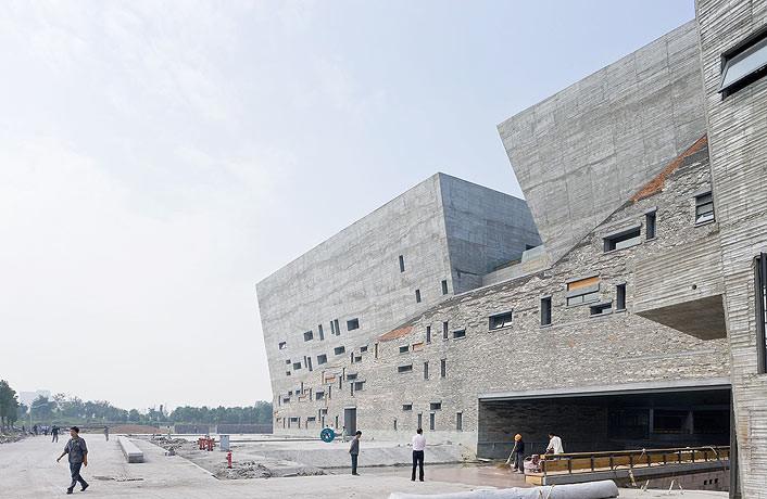 1330435967-1907124328-wang-shu-ningbo-museum-4173