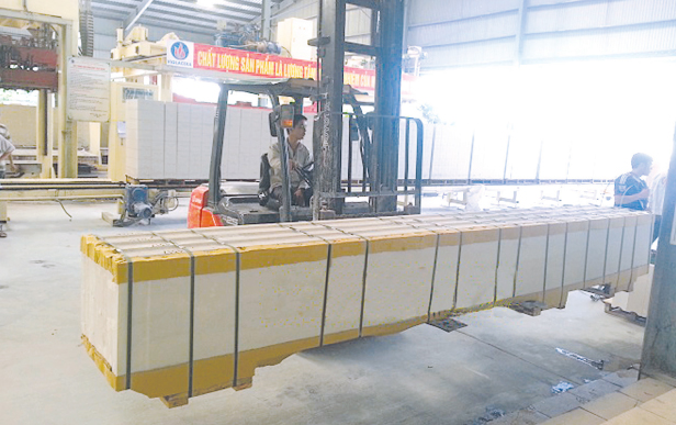 Tấm AAC Panel do VIGLACERA sản xuất thân thiện môi trường,tiết kiệm chi phí.