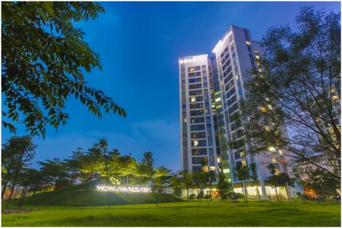 Cư dân của Hồng Hà Eco City không chỉ được sở hữu căn hộ mà còn có cả một không gian sống xanh, với quần thể sinh thái khép kín, an ninh 5 lớp.