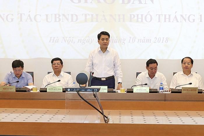 Chủ tịch UBND TP Hà Nội Nguyễn Đức Chung phát biểu tại  phiên họp giao ban công tác UBND TP Hà Nội tháng 10/2018