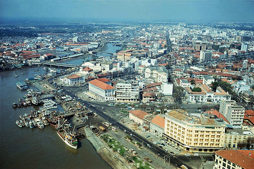 Sài Gòn năm 1968, một đô thị với đặc trưng sông nước và ảnh hưởng của kiến trúc Pháp (Ảnh TL tác giả)
