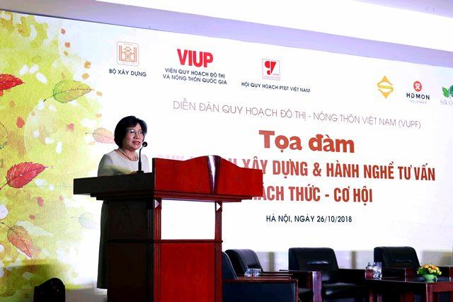 Thứ trưởng Bộ Xây dựng Phan Thị Mỹ Linh phát biểu khai mạc tọa đàm