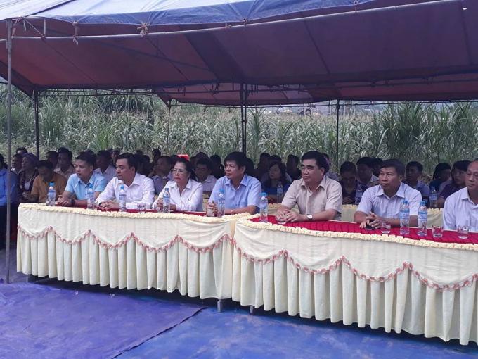 Dự buổi lễ có lãnh đạo Ban, ngành tỉnh Hà Giang và các nhà hảo tâm. (Ảnh: Phàn Giào Họ).