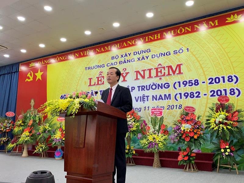 Bộ trưởng Bộ Xây dựng Phạm Hồng Hà phát biểu chúc mừng ngày Nhà giáo Việt Nam tại Trường Cao đẳng Xây dựng công trình đô thị