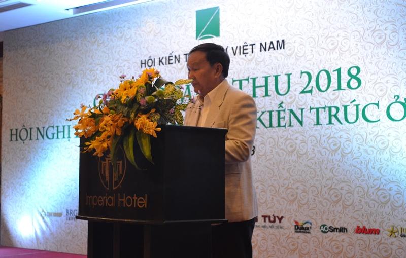 KTS Nguyễn Tấn Vạn - Chủ tịch Hội KTS Việt Nam phát biểu khai mạc