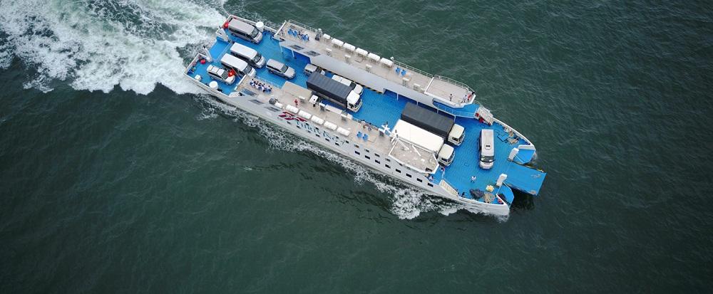 Hà Tiên là cửa ngõ của các nước tiểu vùng sông Mekong khi đến Việt Nam và cửa ngõ du lịch của Phú Quốc qua đường thủy