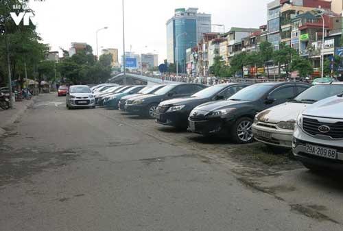 Thời gian tới, Hà Nội dự kiến sẽ xây dựng bãi đỗ xe ngầm chứa được khoảng 2.000 phương tiện ở khu vực trước cổng Nhà hát Lớn, vườn hoa Cổ Tân, trước cửa khách sạn Hilton.