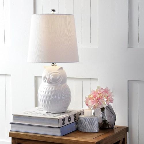 Đèn hình con cú làm bằng gốm tạo nên sự độc đáo trong căn nhà của bạn