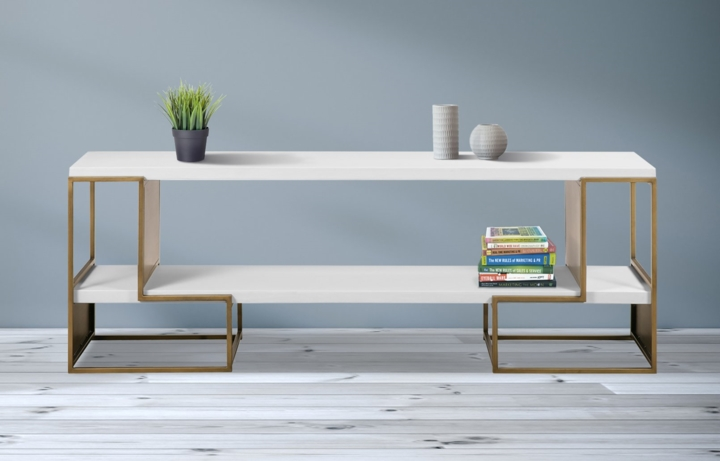 Tủ sơn tông màu trắng sáng bóng kết hợp với kiểu dáng hình học độc đáo, tủ tivi mang đến cảm giác sang trọng cho bất kỳ không gian sống nào